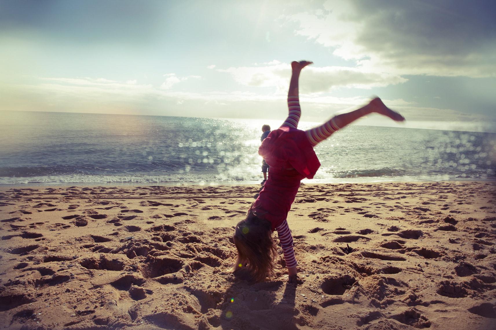 HDinas_Lifestyle_Beach_Cartwheel