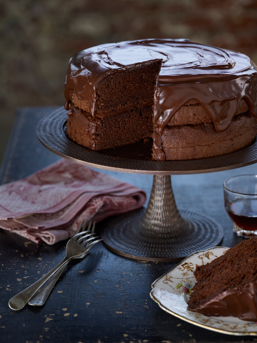 Jalna_Recipe_ChocolateFudgeCake.jpg